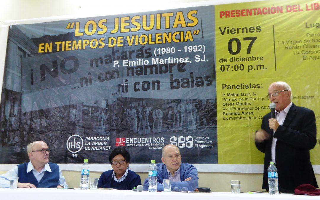 """El Agustino: se presentó el libro """"Los jesuitas en tiempos de la violencia"""" del P. Emilio Martínez SJ"""